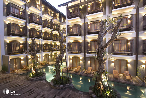 The Oasis Lagoon Sanur 8