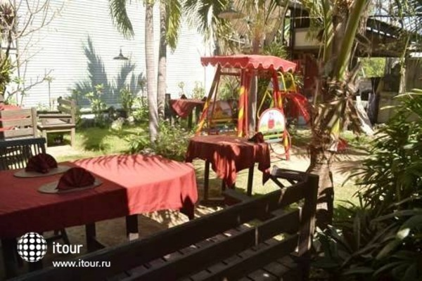 Abian Boga Guesthouse And Restaurant 3