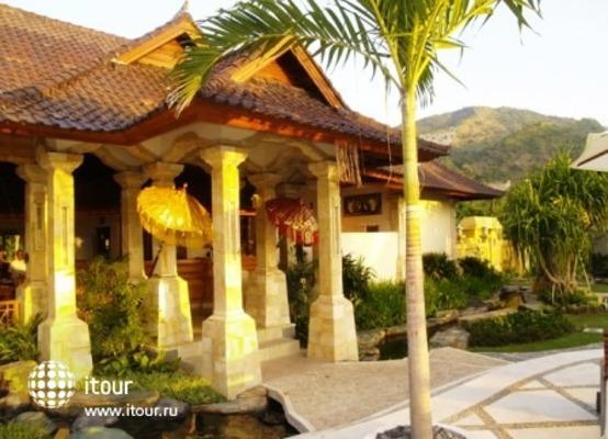 Arya Amed Beach Resort 8