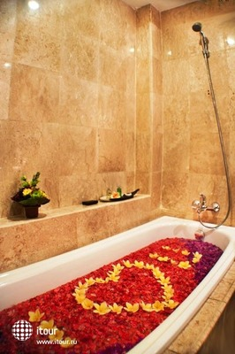The Royal Eighteen Resort & Spa 5