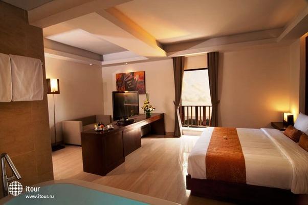 Sense Hotel Seminyak 3