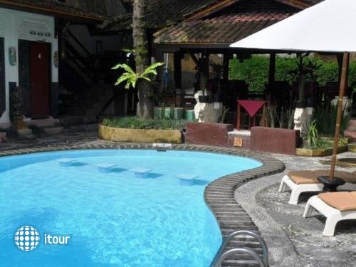 Graha Ubud Bali Resort 2