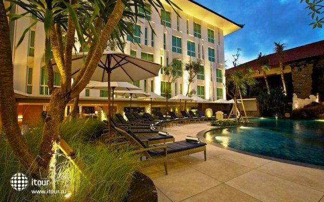 Bintang Kuta Hotel 8