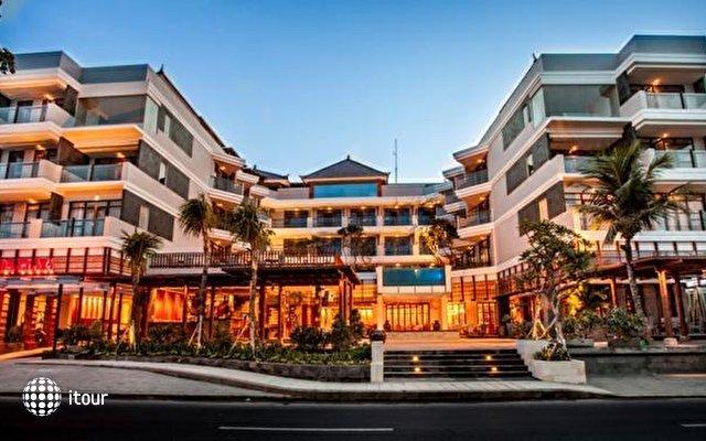 The Kuta Beach Heritage Hotel 1