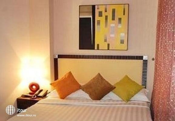 Santa Grand Hotel Little India 8