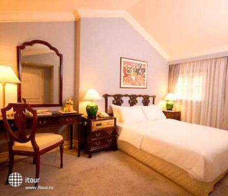 Berjaya Singapore Hotel 3