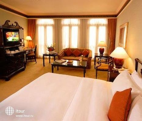 Berjaya Singapore Hotel 5