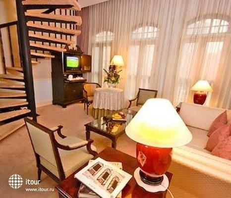 Berjaya Singapore Hotel 8