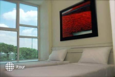 Hotel 81 Elegance 2