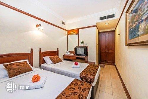 Hotel 81 Classic 3