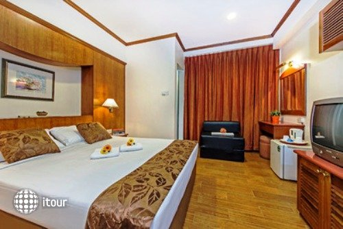 Hotel 81 Star 3