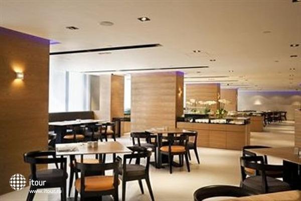 Empire Hotel Causeway Bay 9