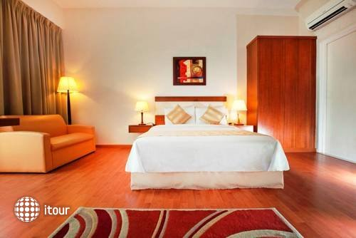 Maytower Hotel Serviced Residences 8