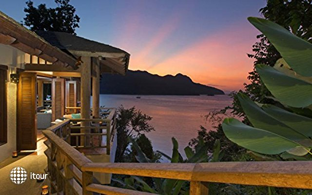 Andaman Hotel 8