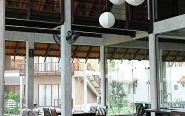 Uga Bay Hotel 6