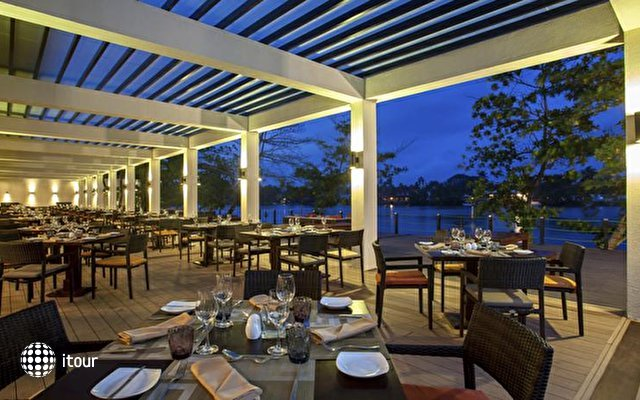 Centara Ceysands Resort & Spa 4