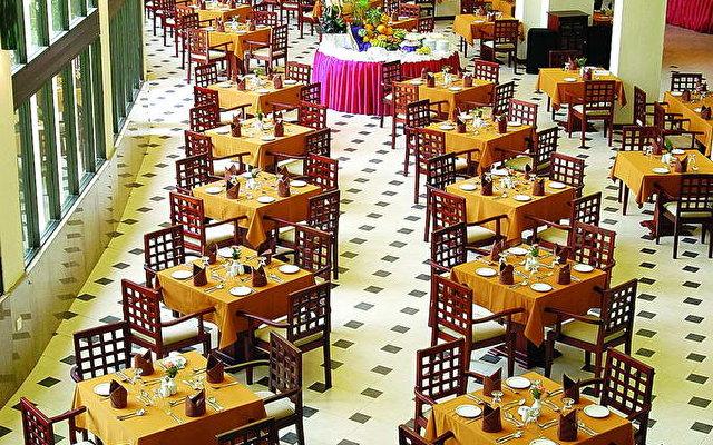 Riverina Hotel 8