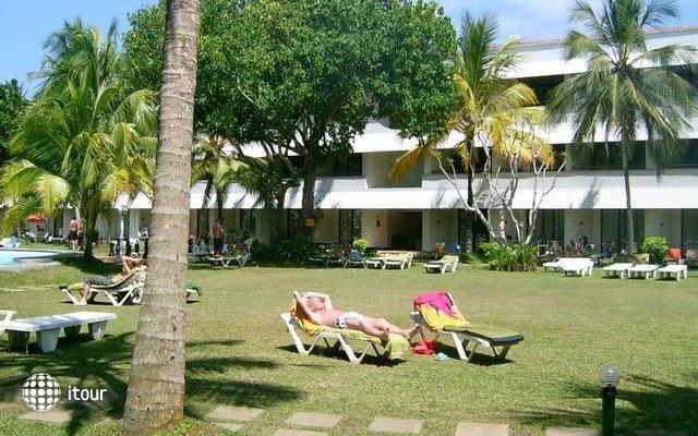 Club Palm Garden 2