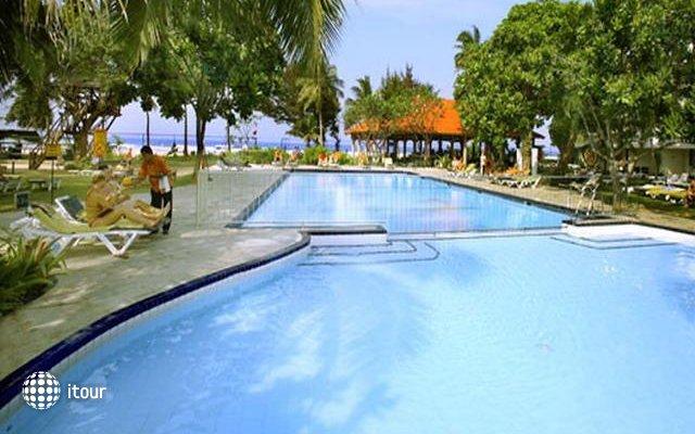 Club Palm Garden 1
