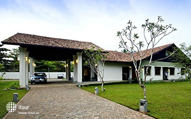 Kamili Beach Villa 8