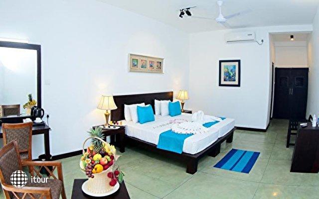 Coco Royal Beach Resort 10