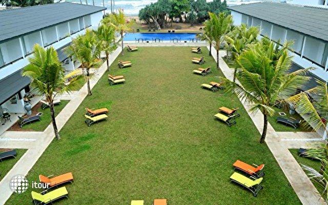 Coco Royal Beach Resort 5