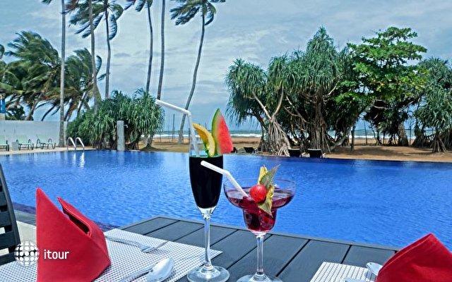 Coco Royal Beach Resort 3
