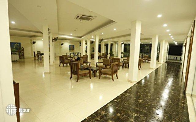 Hikkaduwa Beach Hotel 3