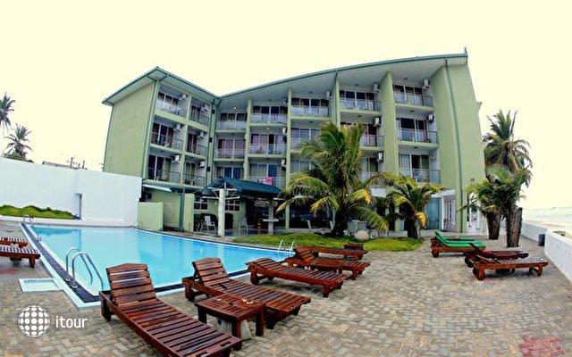 Hikkaduwa Beach Hotel 1