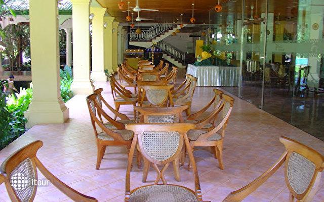 Sudu Araliya Hotel 5