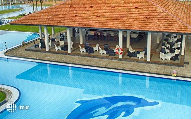 Club Hotel Dolphin 4