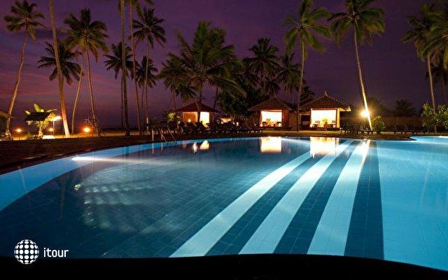 Club Hotel Dolphin 5