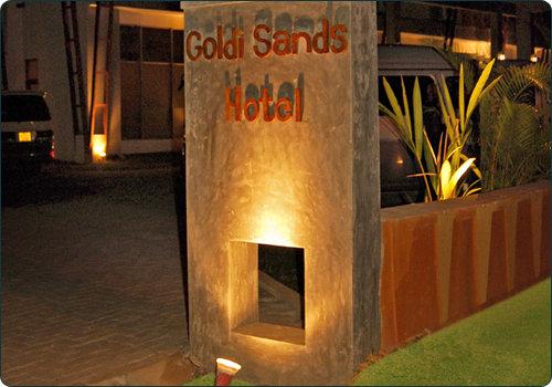 Goldi Sands 10