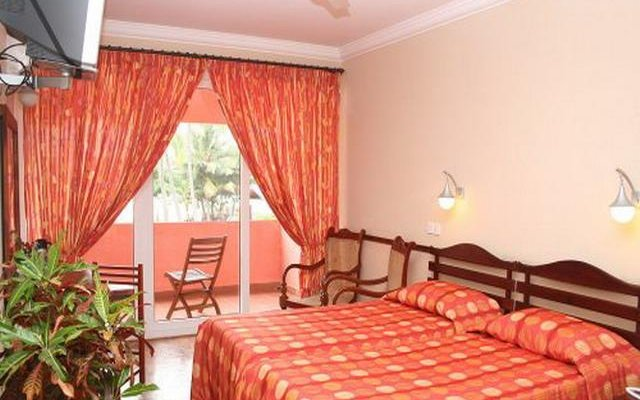 Paradise Beach Hotel 5