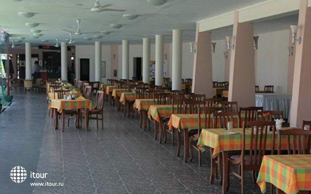 Paradise Beach Hotel 9