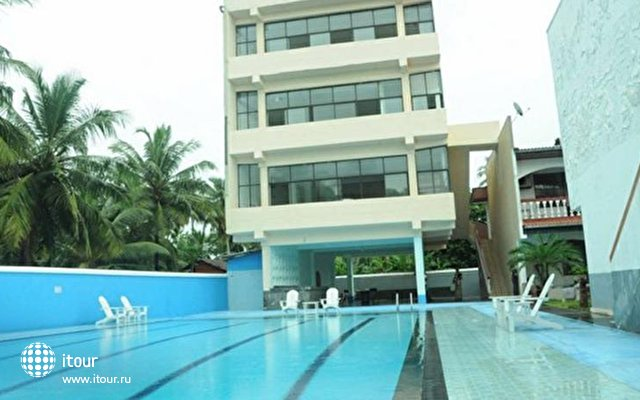 Honors Club Hotel 1