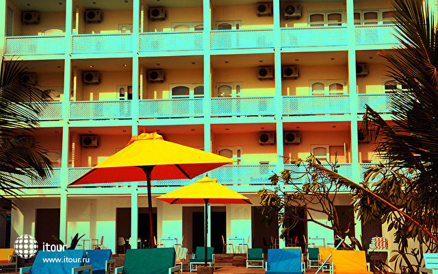 J Hotel Negombo 1