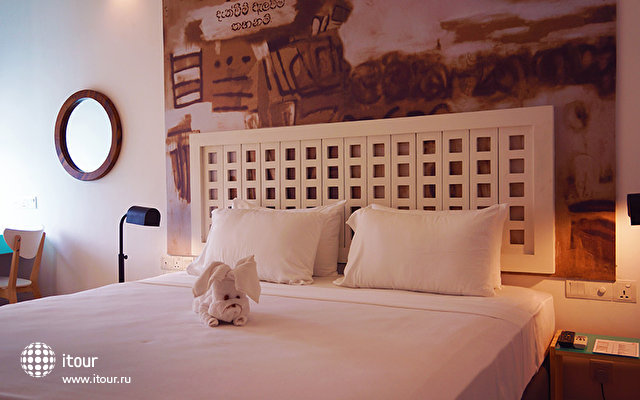 J Hotel Negombo 5