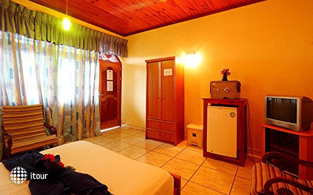 Paradise Holiday Village 6