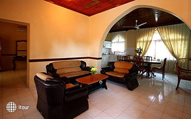 Paradise Holiday Village 8