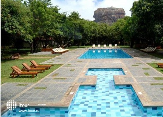 Hotel Sigiriya 2