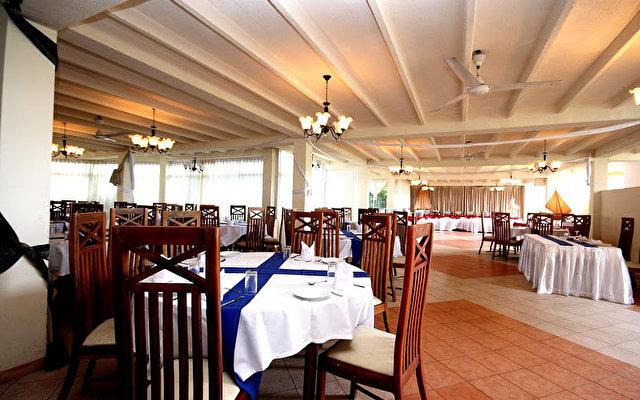 Comaran Beach Hotel 3