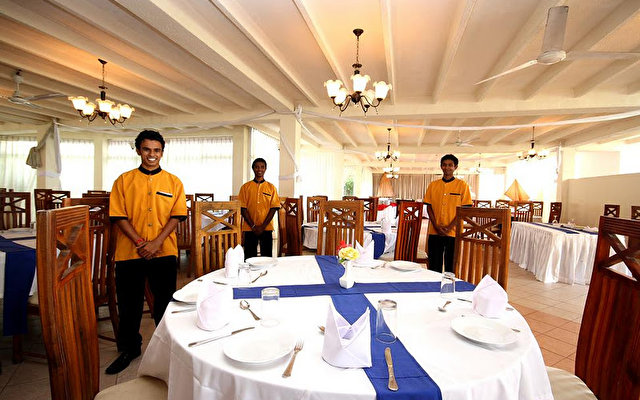 Comaran Beach Hotel 5