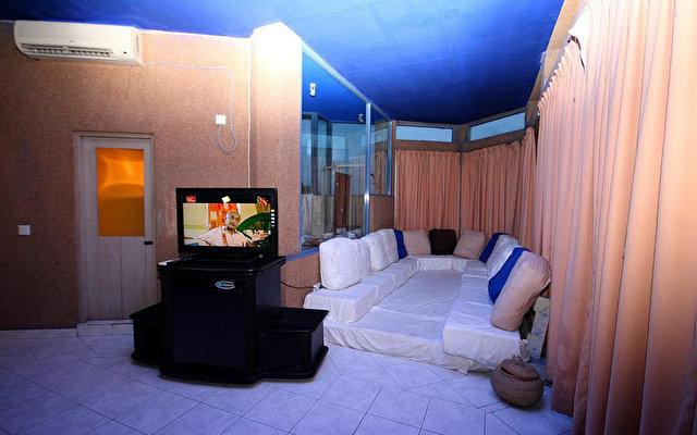 Comaran Beach Hotel 10