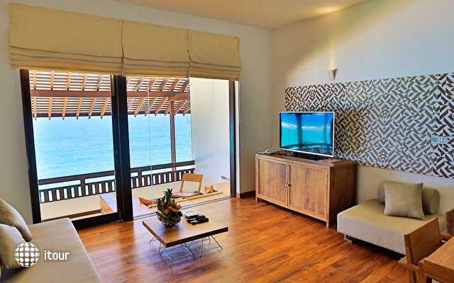 Pandanus Beach Resort & Spa (ex. Emerald Bay) 9