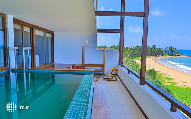 Pandanus Beach Resort & Spa (ex. Emerald Bay) 8