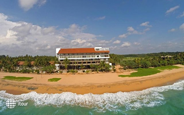 Pandanus Beach Resort & Spa (ex. Emerald Bay) 1