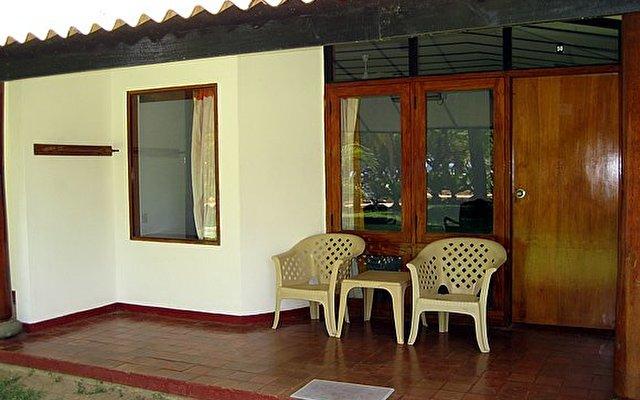 Nilaveli Beach Hotel 3