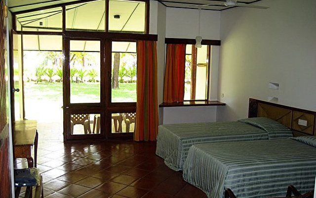 Nilaveli Beach Hotel 4