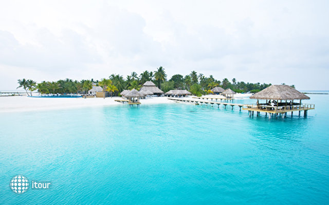 Velassaru Maldives (ex Laguna Beach Resort) 2